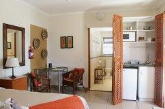 113onrobberg-deluxe-room-4.JPG