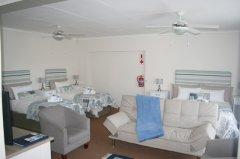 113onrobberg-family-room-1.JPG